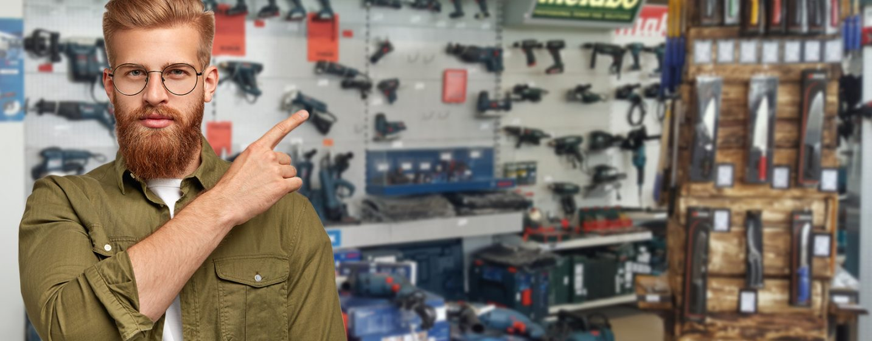 Radnik u B.O.S. Shop-u